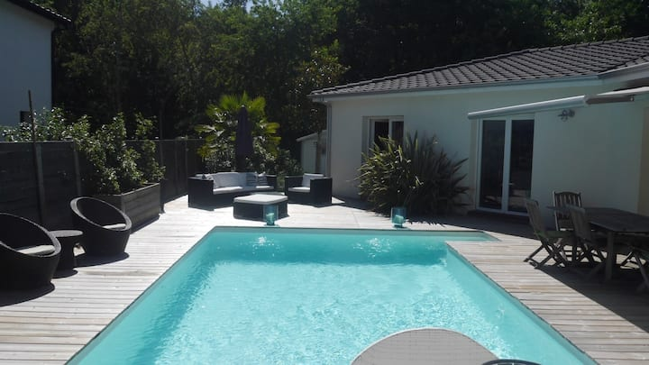 Lovely & Cosy big Family House with swimming pool