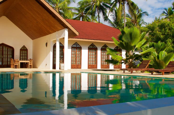 Garden Beach Villa Zanzibar-fully serviced villa