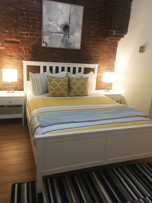 Bedroom - queen bed - we provide clean sheets, blankets and pillows.