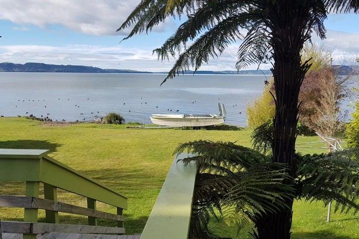 Ranginui Retreat - Absolute Lakefront Home
