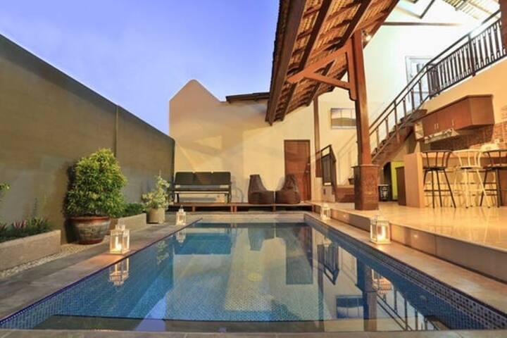 2BR pool villa ❤ of Seminyak walk to the beach