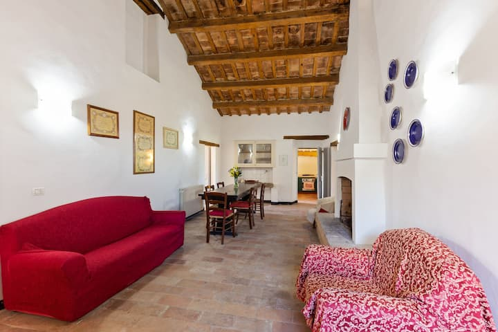 Vintage Holiday Home in Recanati with Garden