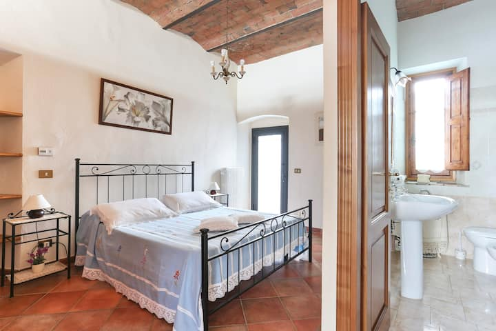Lovely apartment in the heart of Chianti