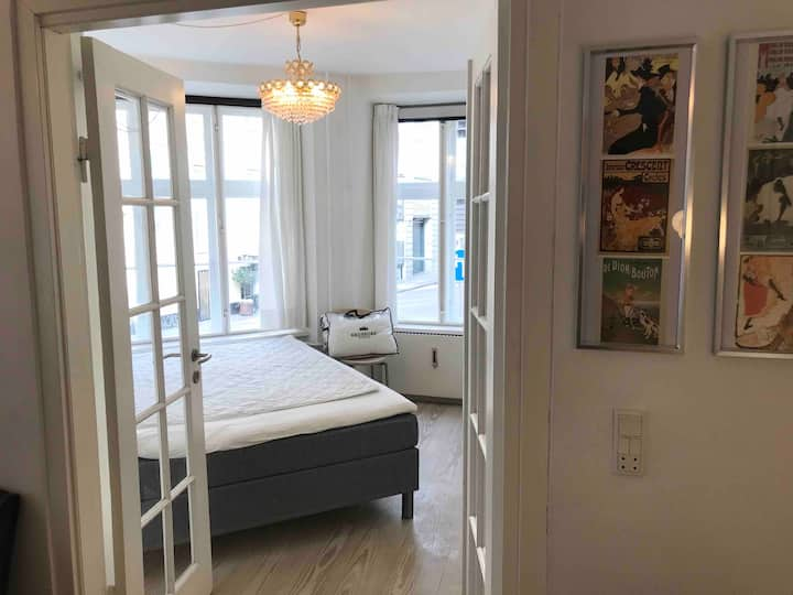 Fully furnished apartment next to Kgs Nytorv.