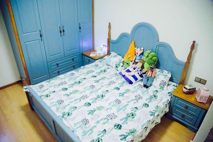 小皮匠和摄影师的loft小窝。青蛙房【享独卫】 - Chongqing
