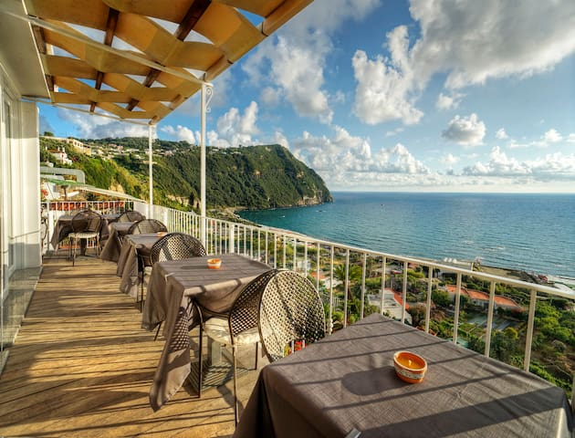 Relaxen auf Ischia mit Blick auf den Poseidonpark - ฟอริโอ - ที่พักพร้อมอาหารเช้า
