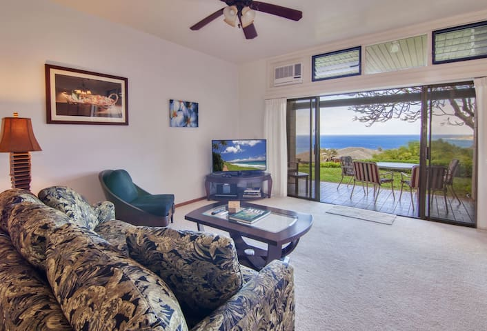 Enjoy peace and quiet with stunning views in this luxury resort in West Maui