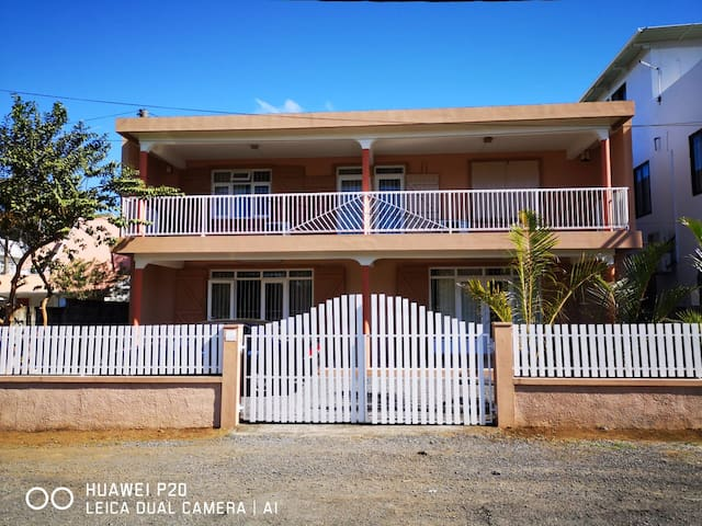 5 Tweenie guest house - 7 mins walk to The beach