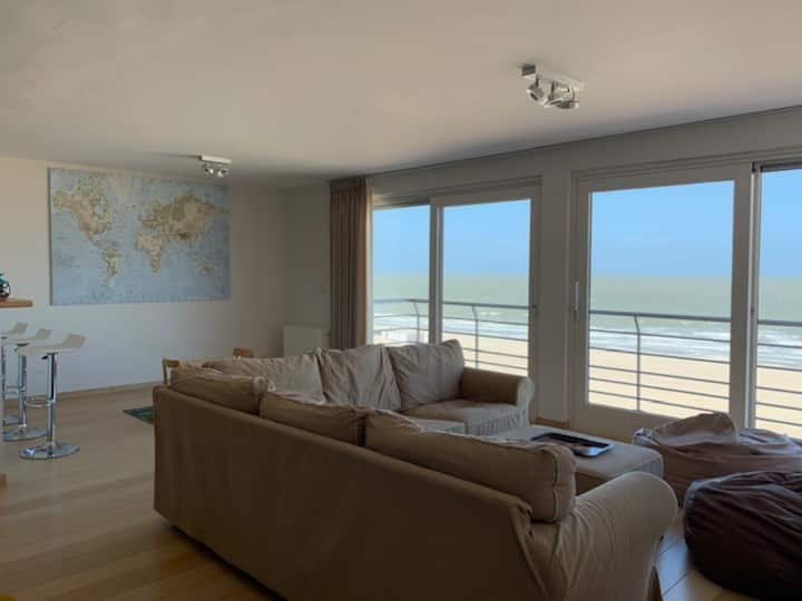 Very spacious appartment with magnificant sea view