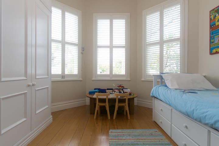 Ponsonby Beautiful Family Homeforhire