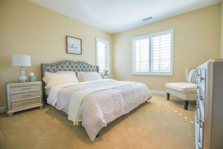 Irvine private bedroom with private bathroom