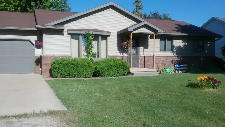 Quiet, nice ranch home close to several cities.
