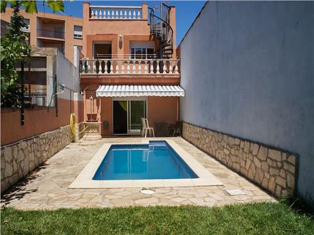 BEAUTIFUL HOUSE WITH SWIMMING POOL IN PALAFRUGELL