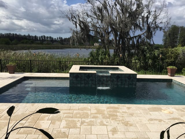 Tampa Fl Area Scenic Spa lake front - Land O' Lakes - Rumah
