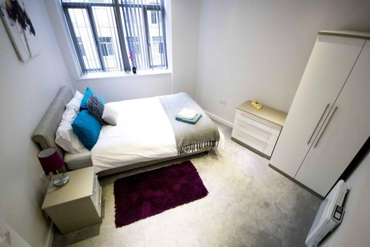StayZo - Grattan Mills - 2 - City Centre Apartment