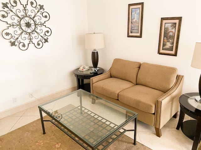 1bedroom Hollywood|Pool open!!!|Parking|AC