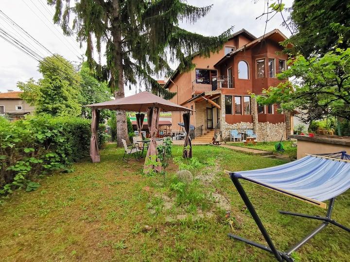 Casa Divna Guest House