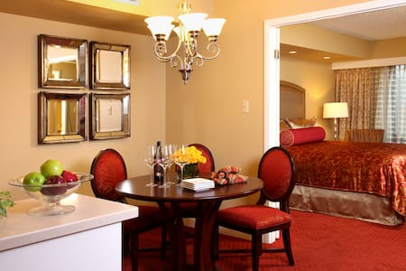 1 BR Apartment on the Strip - Avoid Resort Fees! - Las Vegas