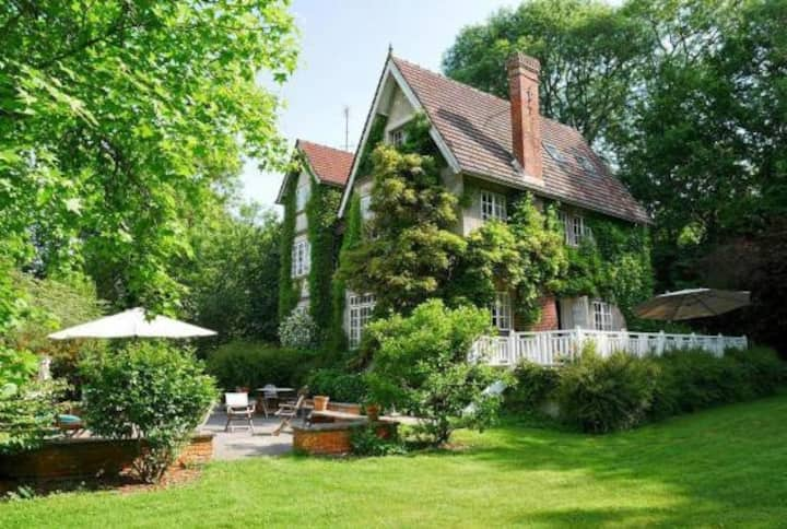 Saint-Aubin-sur-Scie: Charming house with garden