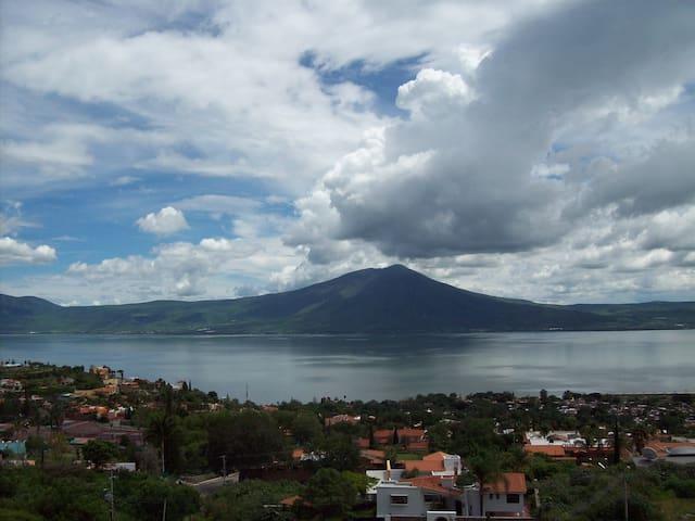 Stunning Lake View Penthouse Relax! - San Juan Cosalá, Jocotepec - Huoneisto
