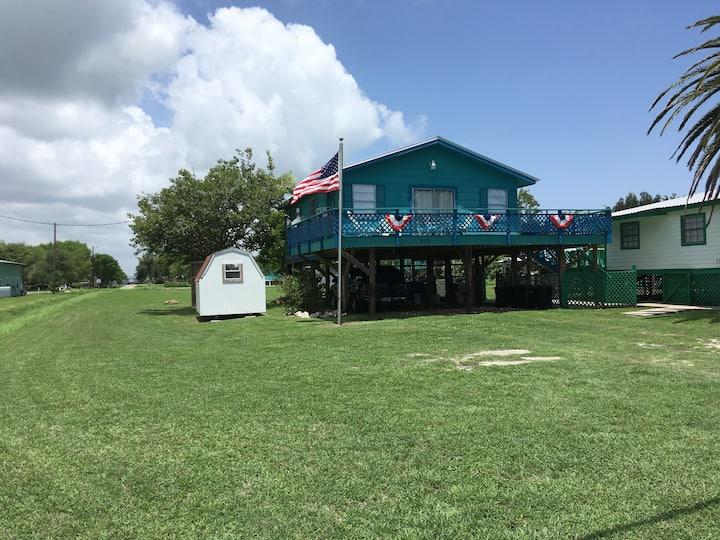 Blue Beach House - Fish, Bird, Crab, Kayak