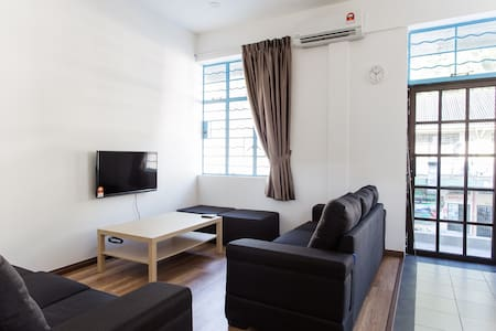 MOST CONVENIENT LOCATION 3BR shophouse - Yola 1 - Kota Kinabalu - Rivitalo