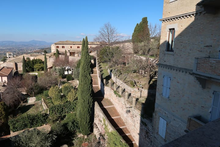 BEST HOUSE... IN THE HEART OF  ASSISI