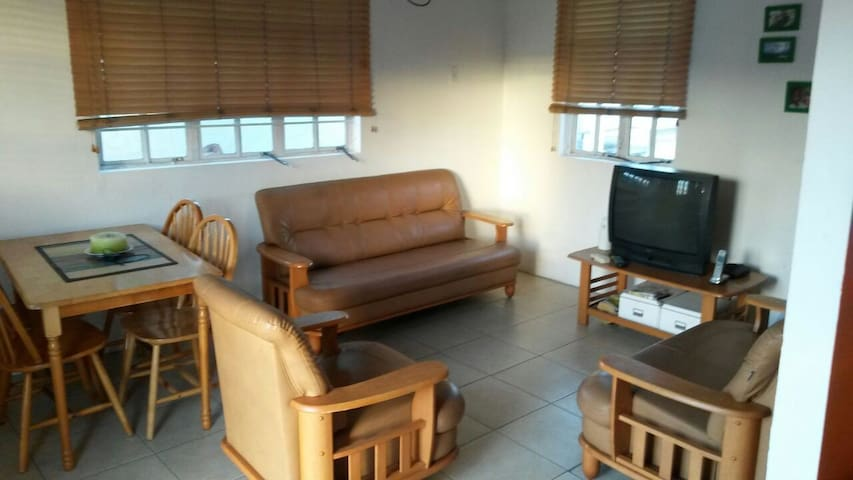 Cozy and Convenient 2-Bedroom Apt, Woodbrook