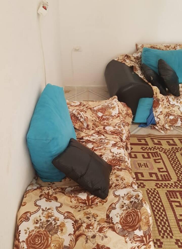 chamber dans une petit maison sympatique