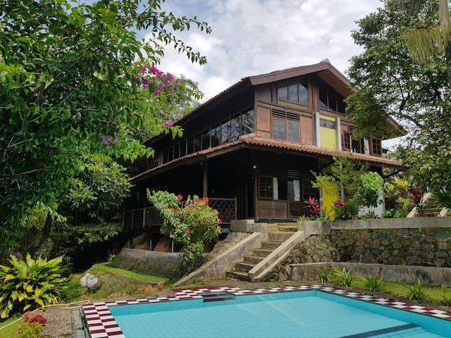 Villa Adithree # Cisarua Bogor (d/a villa Nabila)