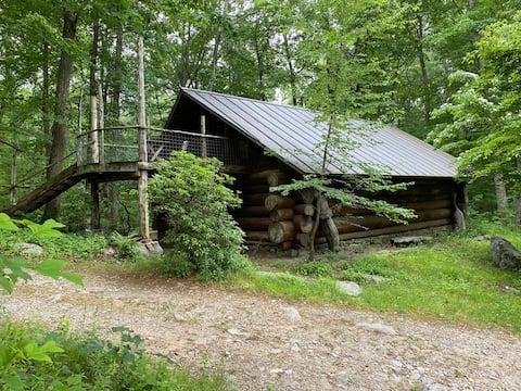 Tulip Log Cabin at Sticks and Stones Farm