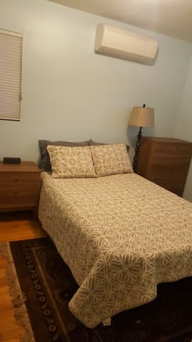 Private Bedroom available in Takoma