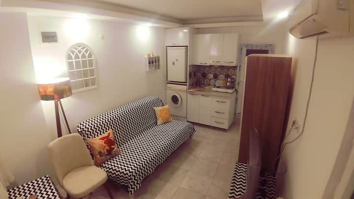 Great location!❤ Tiny and cute studio apartment🦄⭐