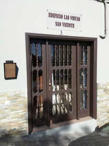 Entrada - Edificio Las Vistas