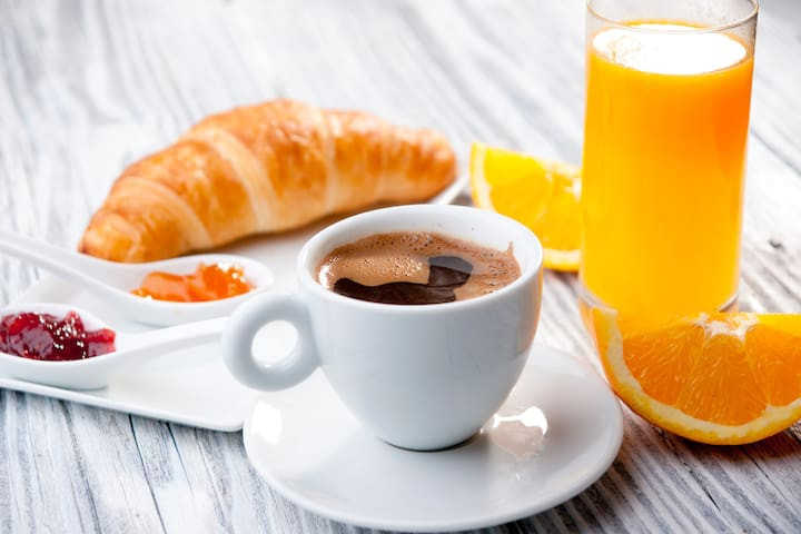 Breakfast available in main house on request, or we can provide welcome packs, ask for price.