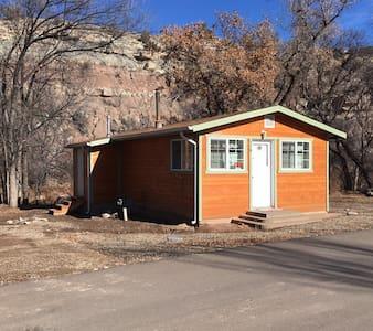 Cozy Riverside Cabin - Naturita