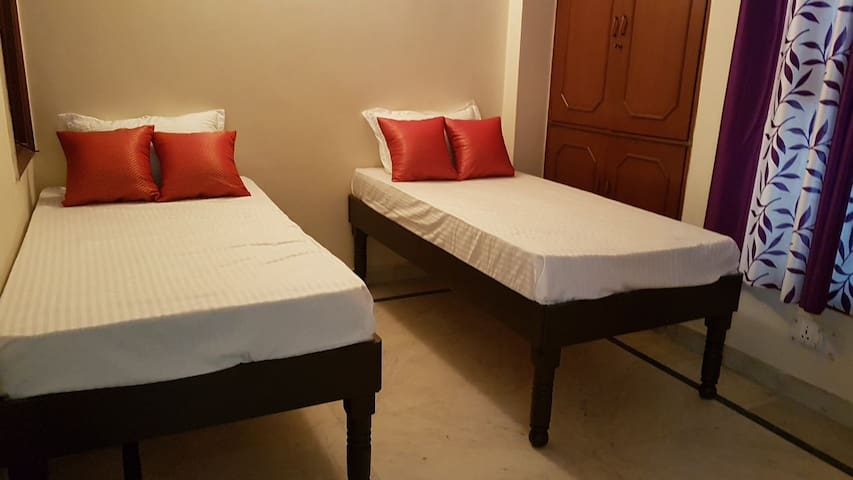 Enjoy Private EAST Room in South Delhi NON AC