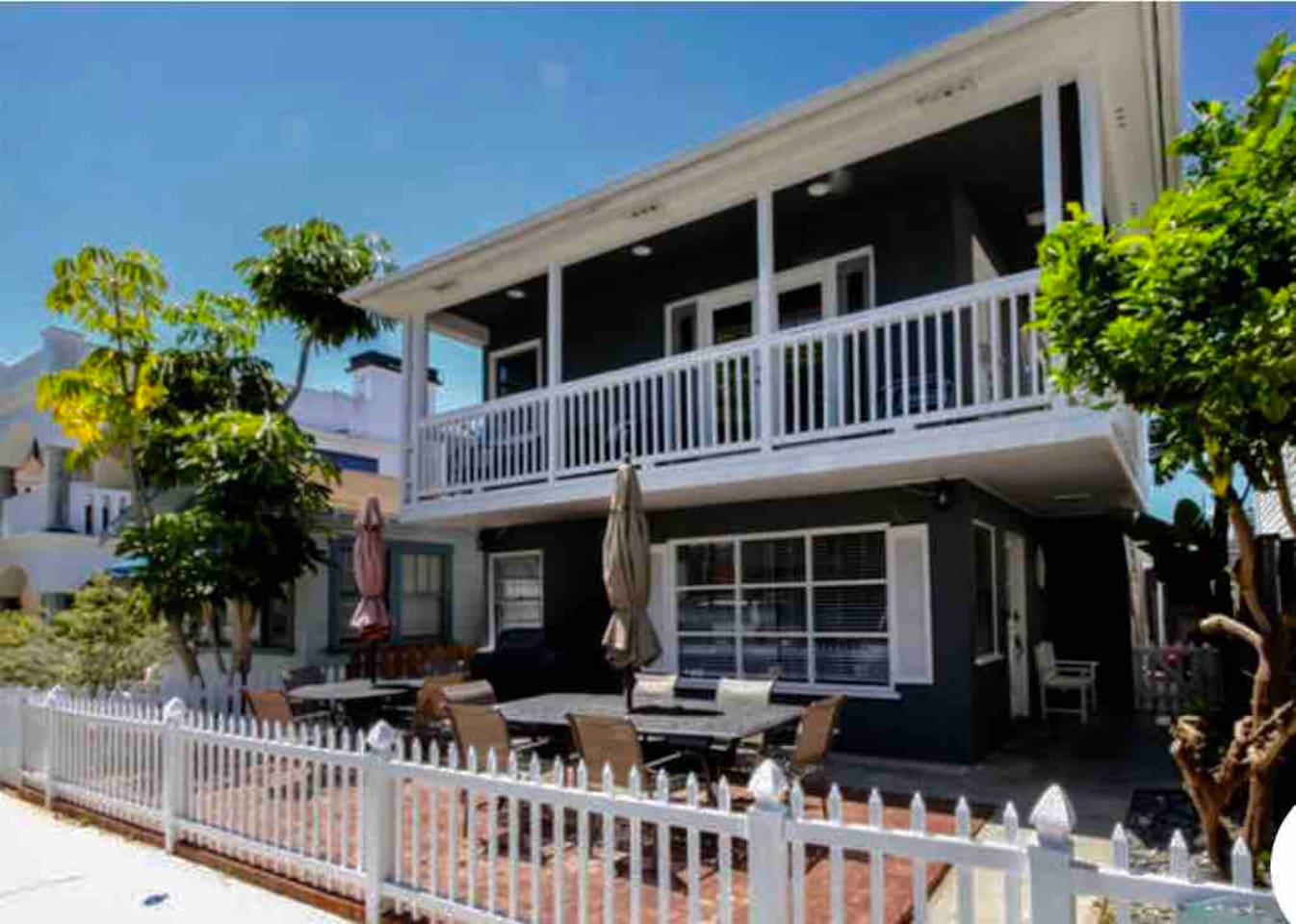 This charming 1940's duplex has been completely renovated 3 years ago. It is 3 homes from the bay front and bay boardwalk and 1 and 1/2 blocks to the beach. It is perfect for families and friends who want to be together but have their own space.