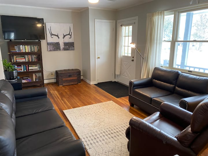Adorable pet-friendly home in coveted neighborhood