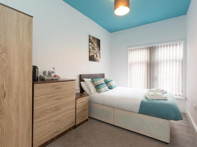 TownHouse @ Westminster St - Double Room 2