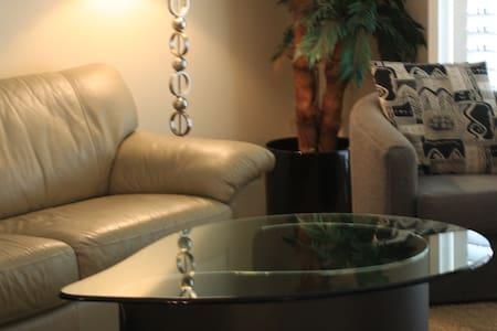 Luxury Desert Falls CC condominium - Палм-Десерт