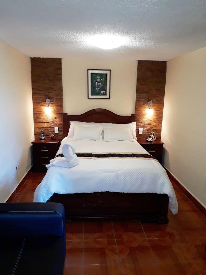 Hotel Luz Mar. (Conoce el corazón de Quito)