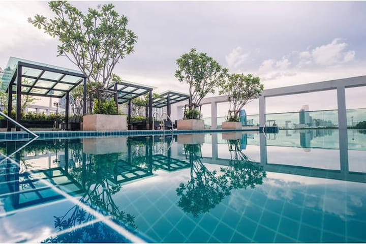 PRETTY COOL 2BR (T-B232) / POOL / GYM / WIFI - Bangkok - Condominio