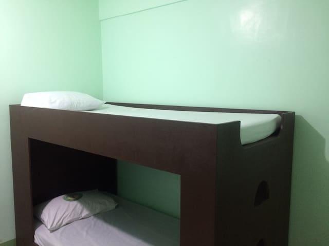 LCF - BB Hotel (C6)