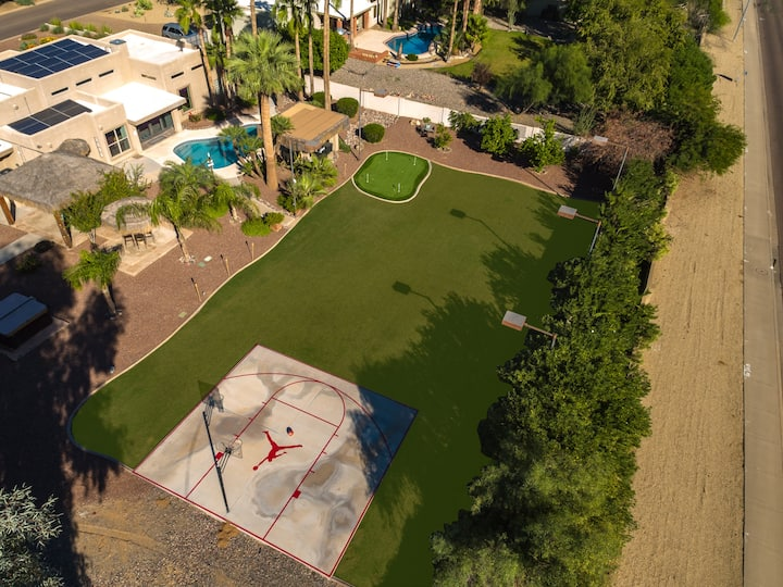 VILLA W/IT ALL! SPORT COURT+GOLF+HTD POOL+HOT TUB