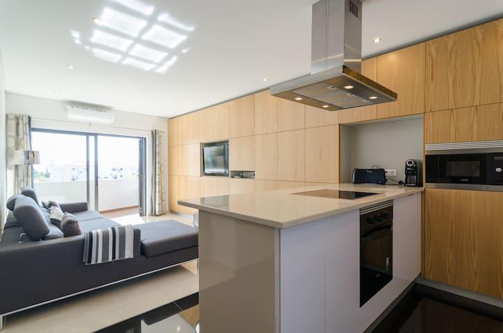 Oura Strip & Beach: 2 bedroom apart - Albufeira - Apartment