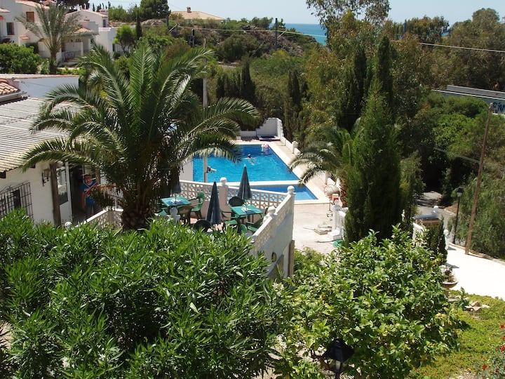 NICE BUNGALOW (SAT TV & WIFI)-COVETA FUMA-El CAMPE