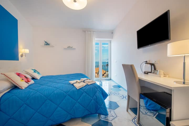 Caruso Sea View Deluxe con Balcone Vista Mare 2
