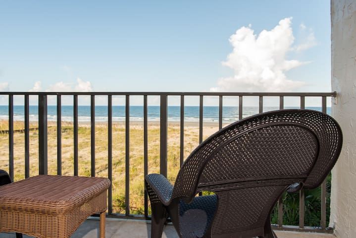 Best OCEANFRONT Deal on the Beach! August Specials
