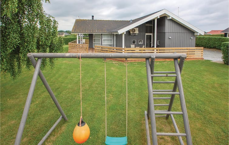 Holiday cottage with 4 bedrooms on 120m² in Haderslev